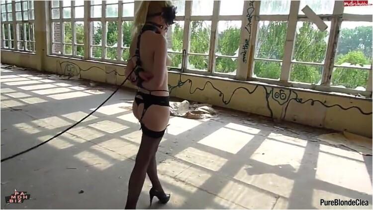 Pissing_-_MDH_PureBlondeClea_-_Fetisch_BDSM_Lauf_im_verlassenen_Ort.mp4._1_.001_l.jpg