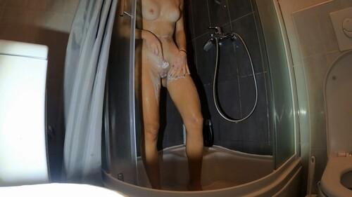 [Image: 19yo-Showering---Hidden-Cam-2.mp4_snapsh...2.13_m.jpg]