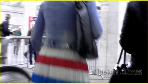 Up-skirt-videos_d016_cover_m.jpg