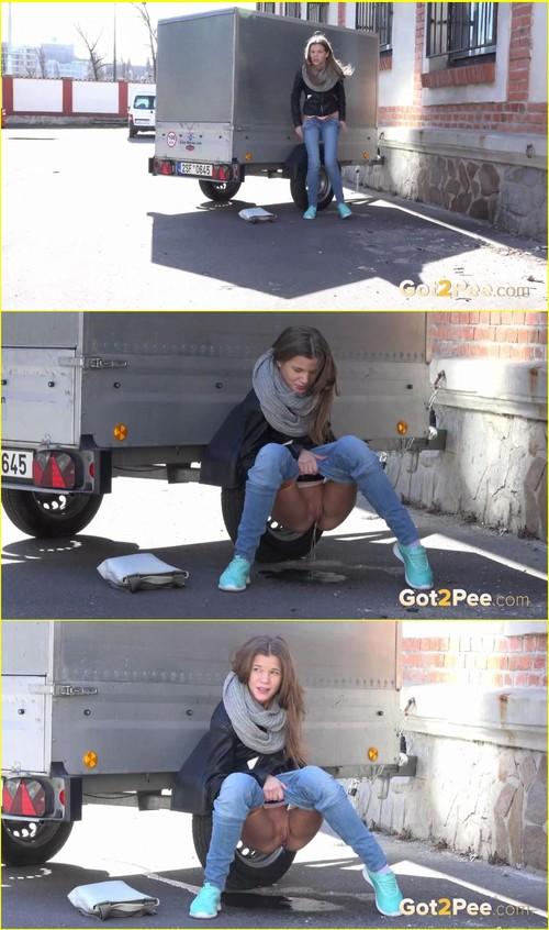 Pee-girl_e009_cover_m.jpg