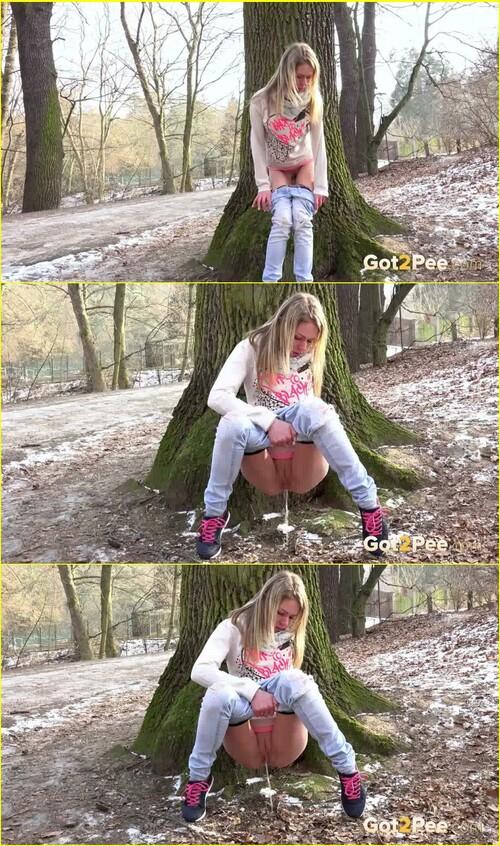 Pee-girl_e061_cover_m.jpg