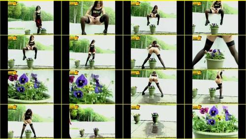Candid-Girls-outdoor_e026_thumb_m.jpg