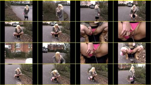 Candid-Girls-outdoor_e028_thumb_m.jpg