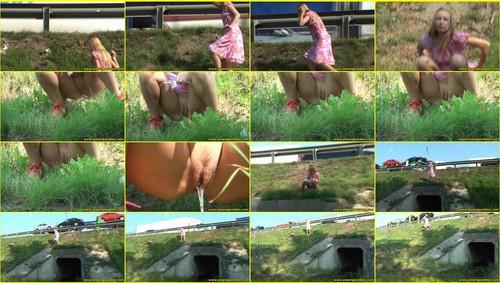 Candid-Girls-outdoor_e034_thumb_m.jpg