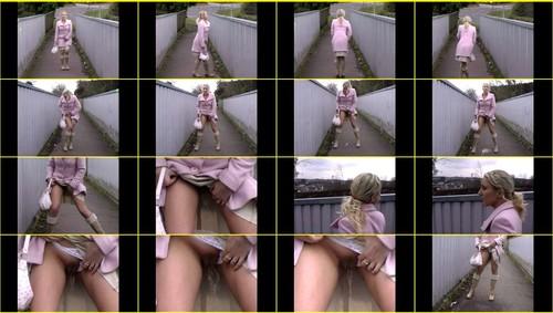 Candid-Girls-outdoor_e036_thumb_m.jpg