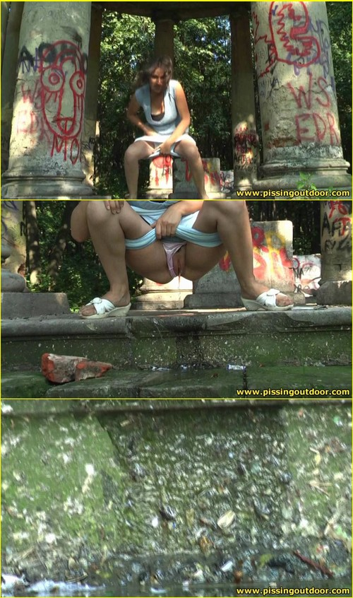 Candid-Girls-outdoor_e009_cover_m.jpg