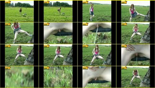 Candid-Girls-outdoor_e021_thumb_m.jpg
