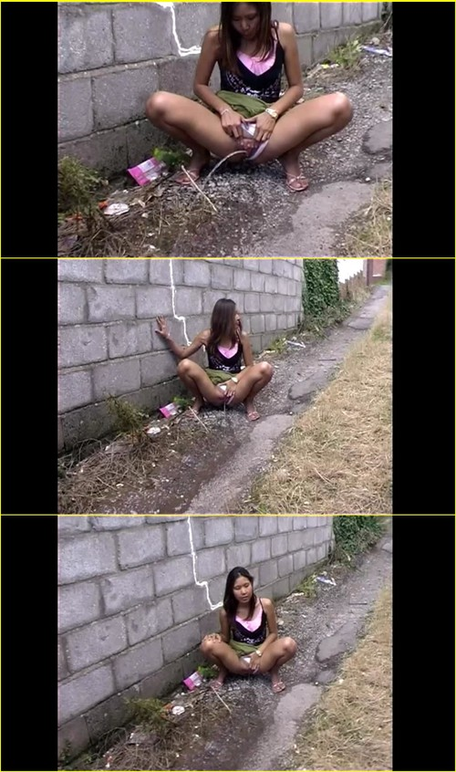 Candid-Girls-outdoor_e023_cover_m.jpg