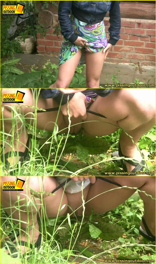 Candid-Girls-outdoor_e079_cover_m.jpg
