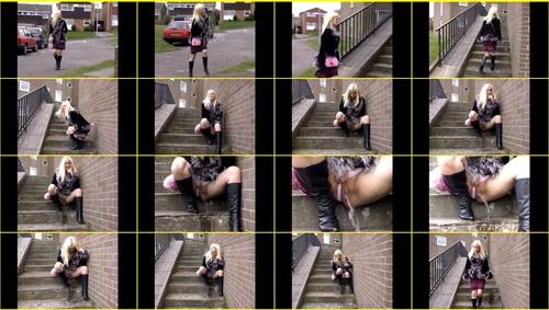 Candid-Girls-outdoor_e102_thumb_m.jpg