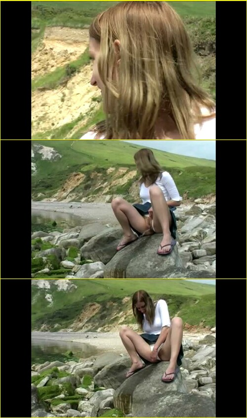 Candid-Girls-outdoor_e103_cover_m.jpg