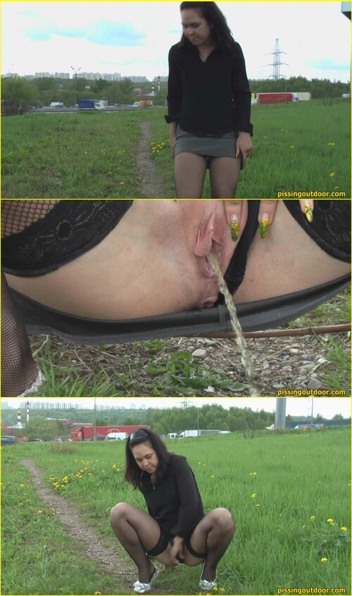 Candid-Girls-outdoor_e306_cover_m.jpg