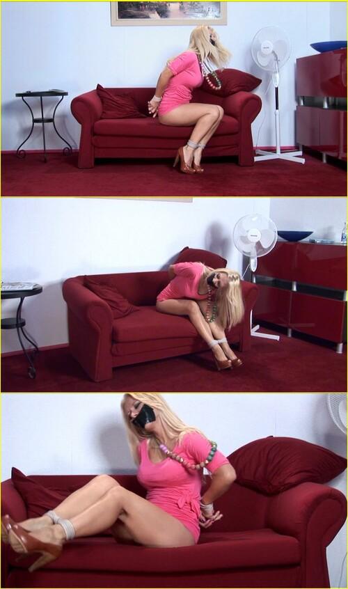 Girls-bondage_d015_cover_m.jpg