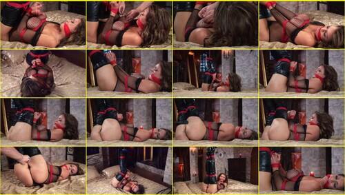 Girls-bondage_d023_thumb_m.jpg