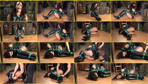 Girls-bondage_d067_thumb_m.jpg