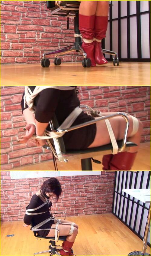 Girls-bondage_d069_cover_m.jpg