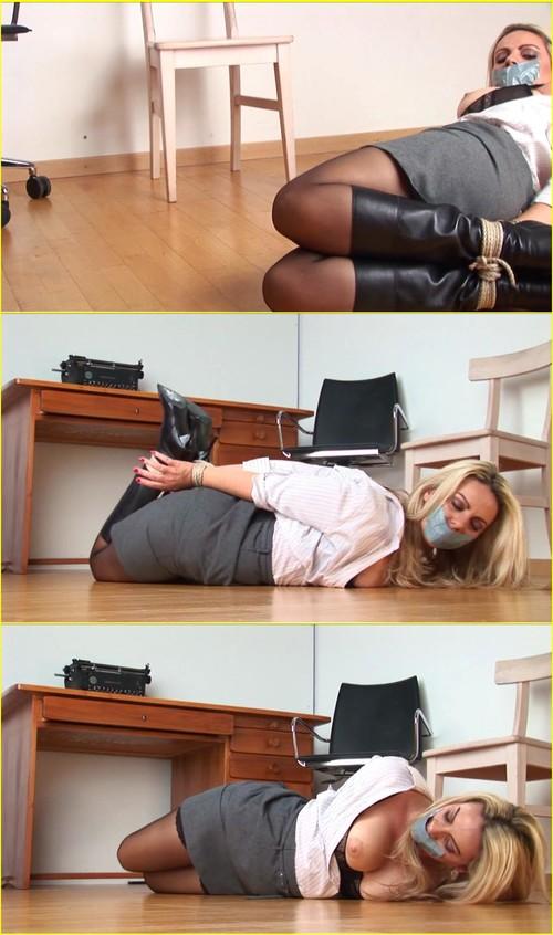 Girls-bondage_d052_cover_m.jpg