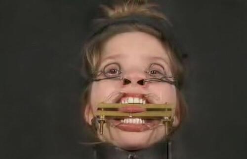 2000.08.30---The-Face-Tyler_m.jpg