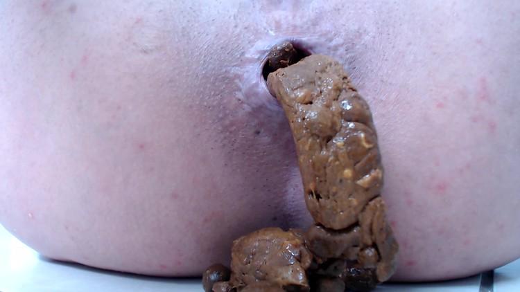 liglee - smearing my poop