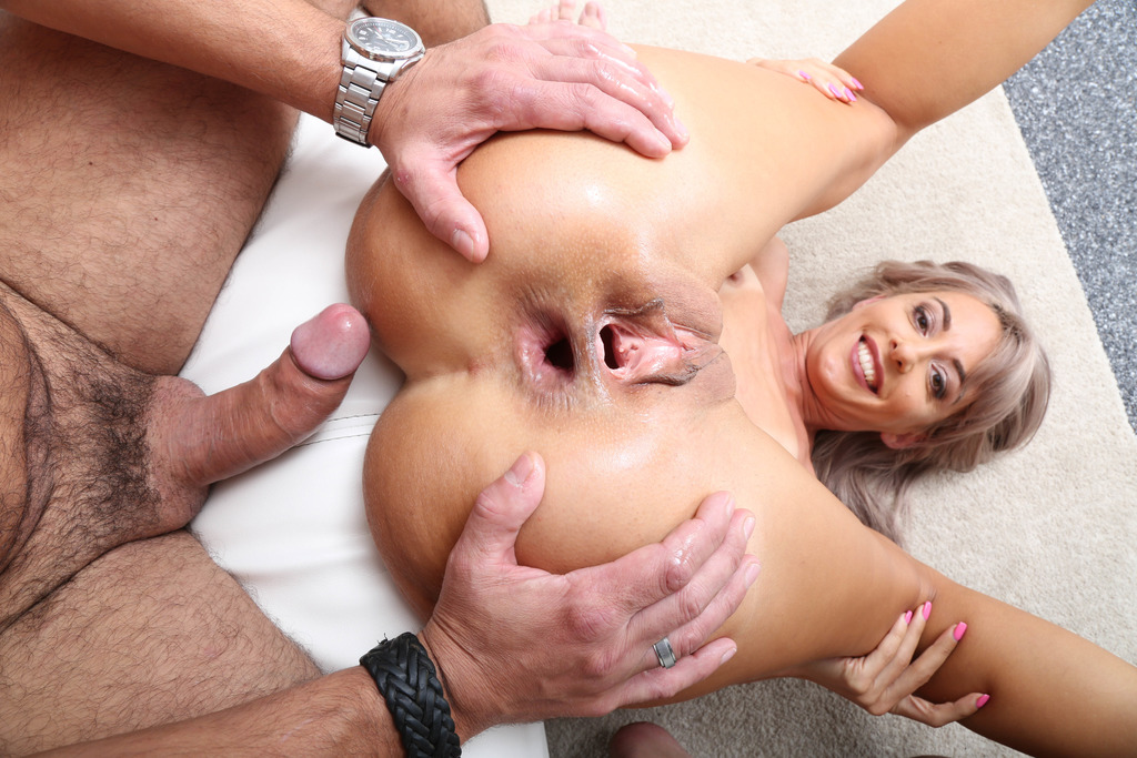 Download LegalPorno - Giorgio Grandi - Naked Barefoot, Vicky Sol Feet Play with Balls Deep Anal, Gapes and Swallow GIO1573