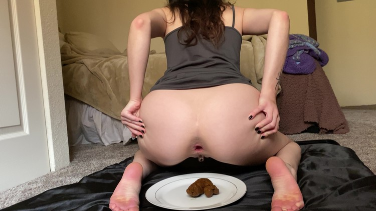 Clevexci - solid poo & dripping pussy