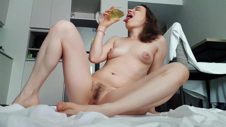 LittleMissKinky - A wet Orgasm
