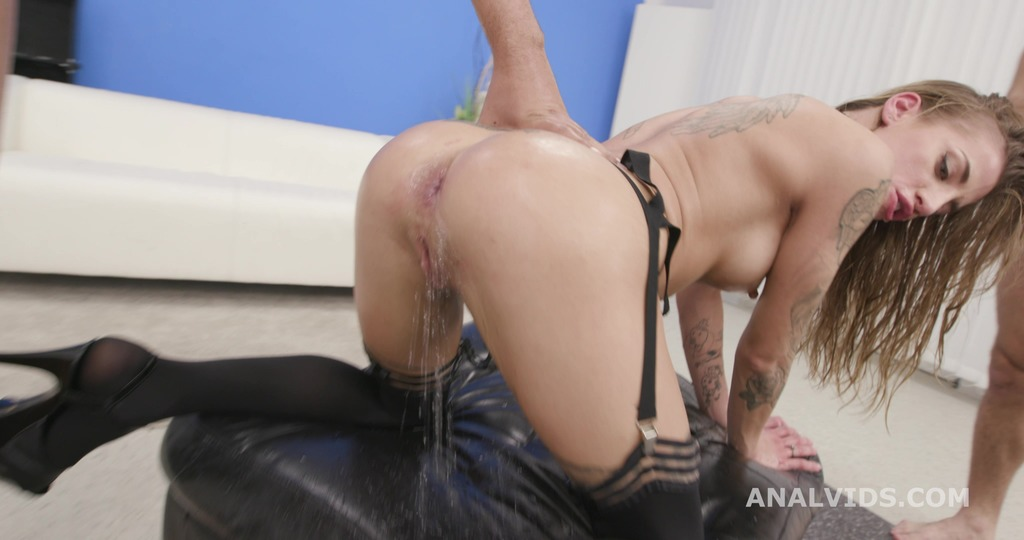 LegalPorno - Giorgio Grandi - Fucking Wet Silvia Dellai 4on1 Balls Deep Anal, DAP, Gapes, Pee Drink and Swallow GIO1637