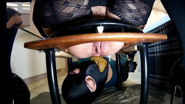 Mistress Anna - Hairy Mistress Scat