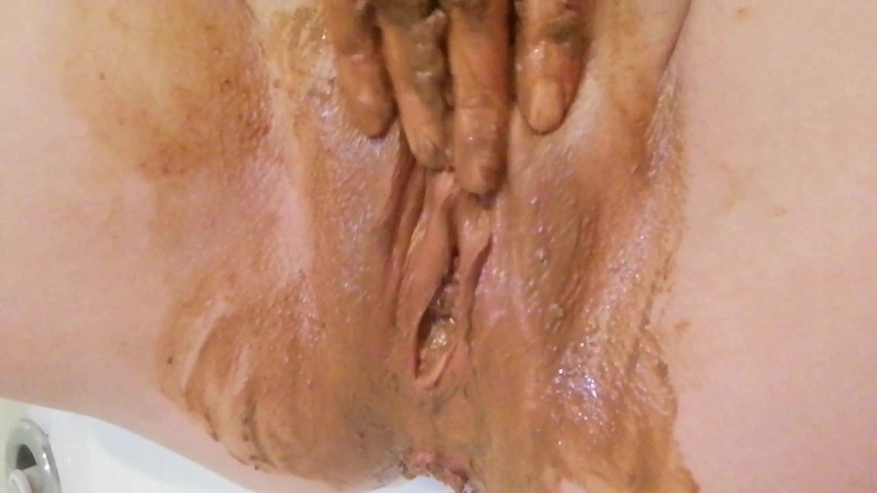 DirtyPrincess - Double shitty finger fuck - shit in pussy