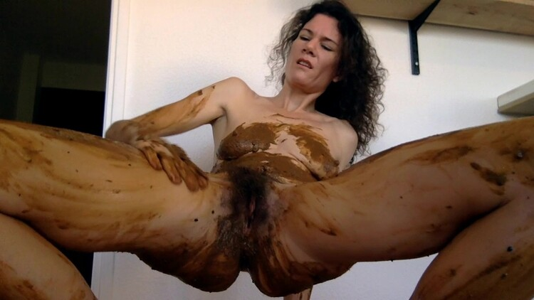 nastymarianne - Playing poo and pee