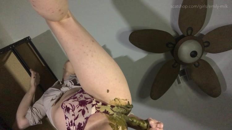 [TGirl]EmilyMilk - Huge Runny Panty Poo!
