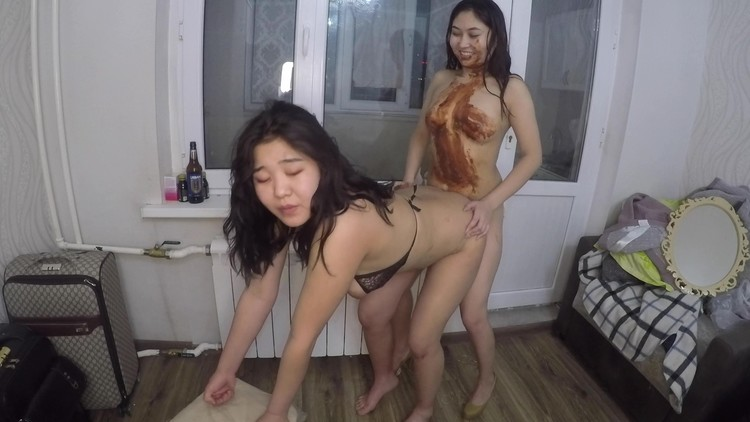 asiansteppe - Ass to mouth Lesbian scat show