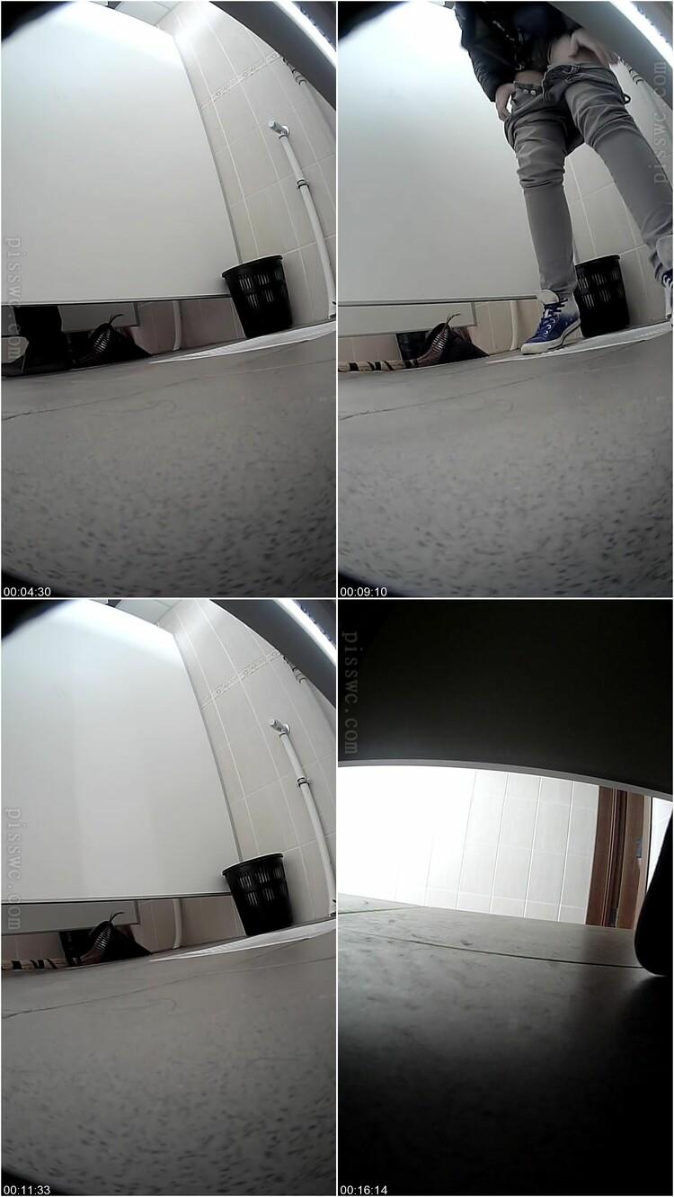 [Image: Hidden_cam_under_the_toilet.avi.111_l.jpg]