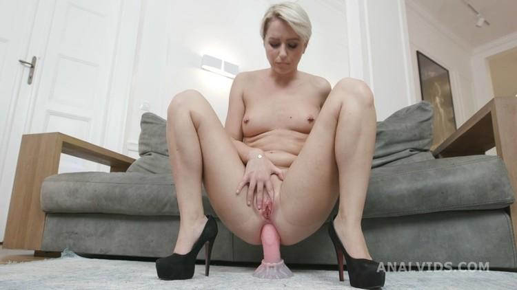 Lesbian women squirting