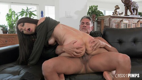 Jojo Kiss – Finds Happiness On Her Step Dads Dick
