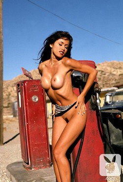 Patricia_Ford_Nude__Sexy_25_Photos_12_s.jpg