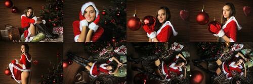 ArtOfDanWorldcom_-_2020-12-25_-_Katya_Clover_-_Xmas_Beauty_m.jpg