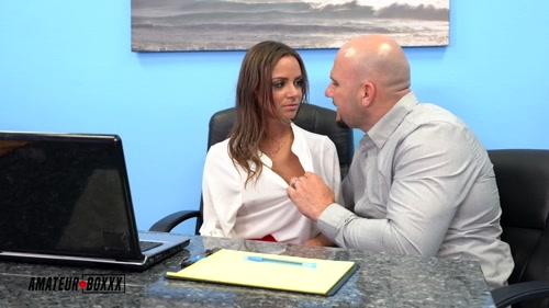 Big Tit Boss Havana Bleu Cocked Controlled by Office Worker